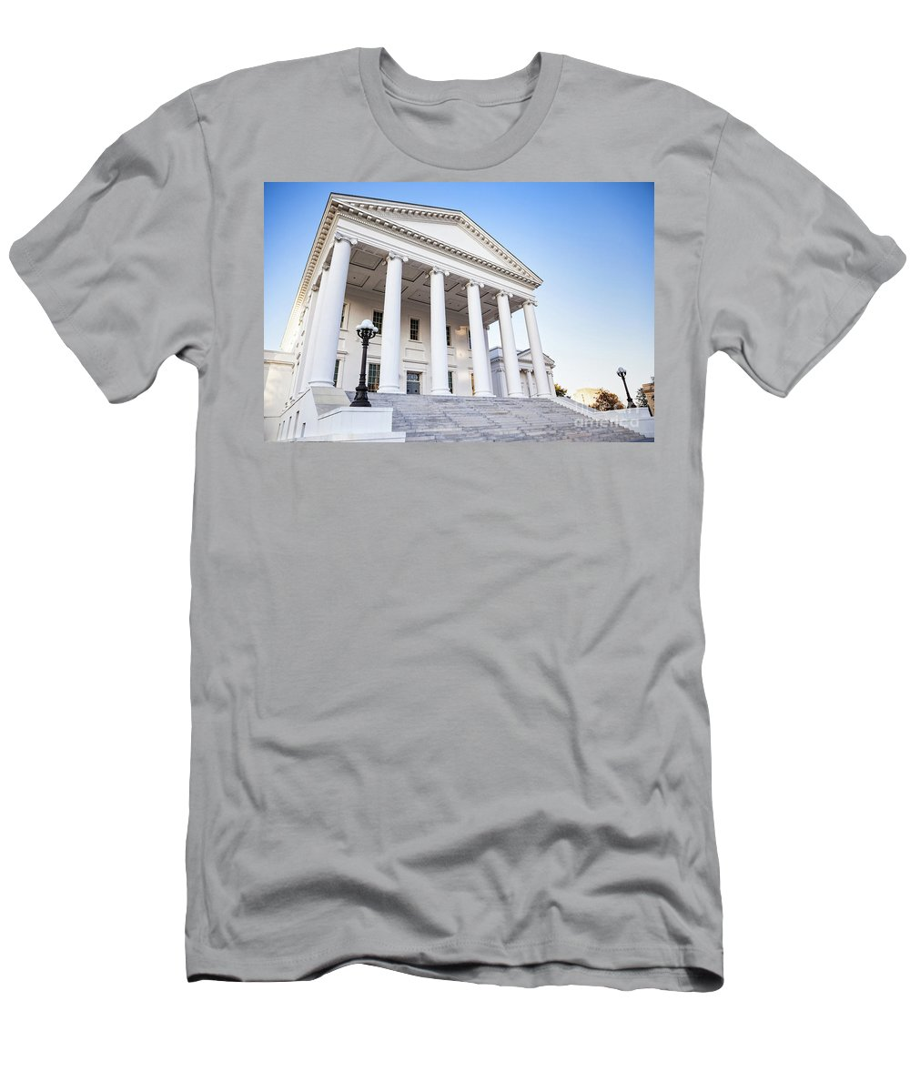 Architecture Men's T-Shirt (Athletic Fit) featuring the photograph Virginia State Capitol by Leslie Banks
