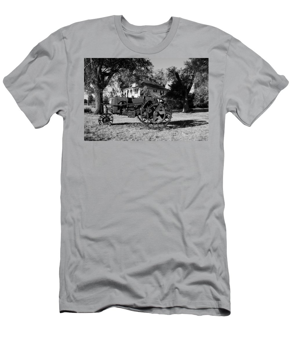 19th Century Rusty Relic Men's T-Shirt (Athletic Fit) featuring the photograph Willig Collection 3 by R John Ferguson