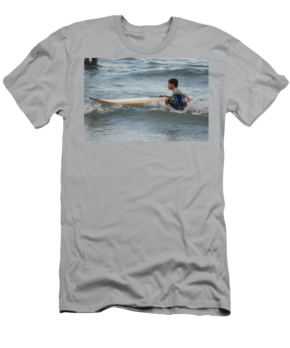 Beach Men's T-Shirt (Athletic Fit) featuring the photograph Wipe Out by Rob Hans