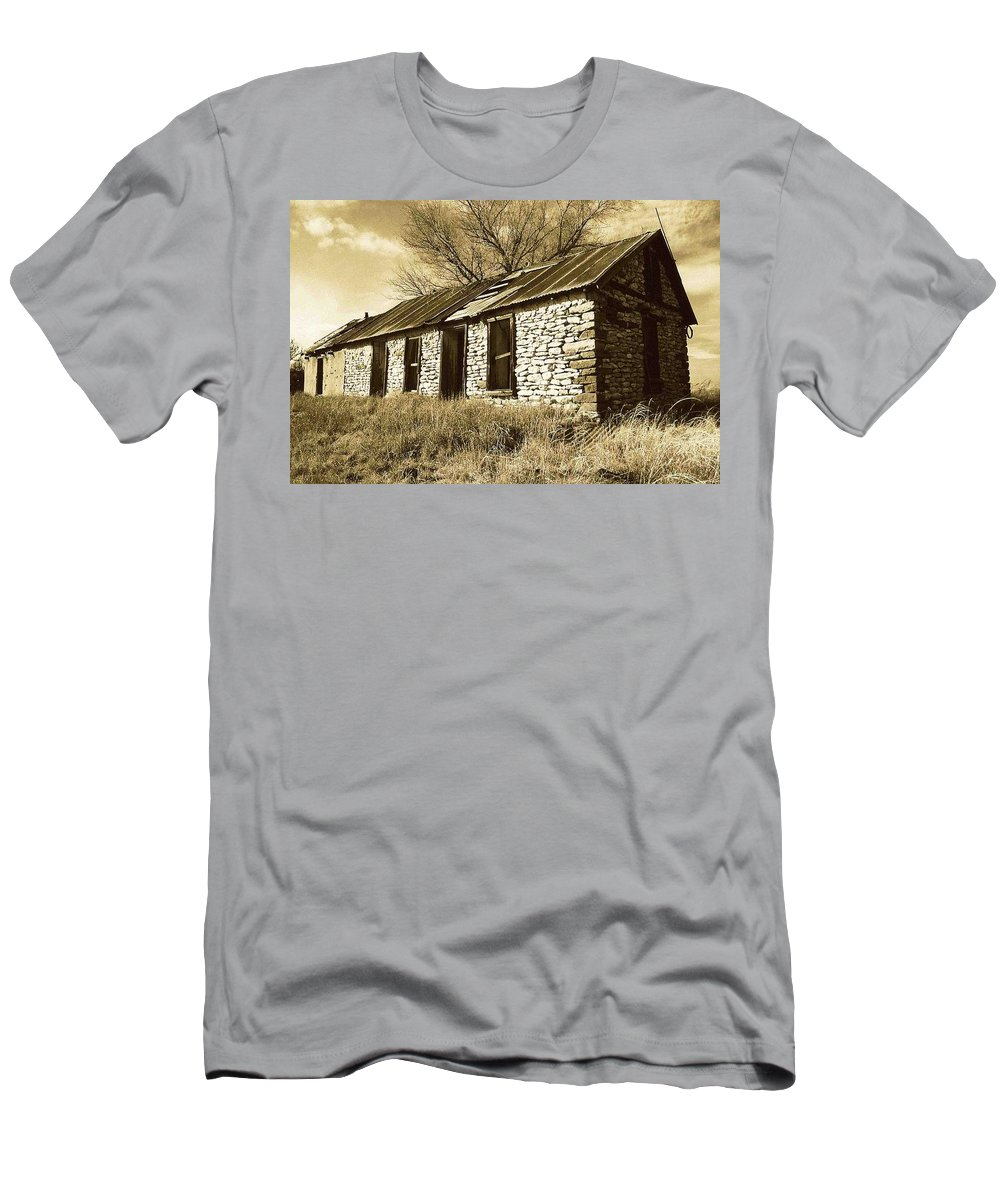 New Mexico Men's T-Shirt (Athletic Fit) featuring the photograph Yeso New Mexico 1 by Nelson Strong