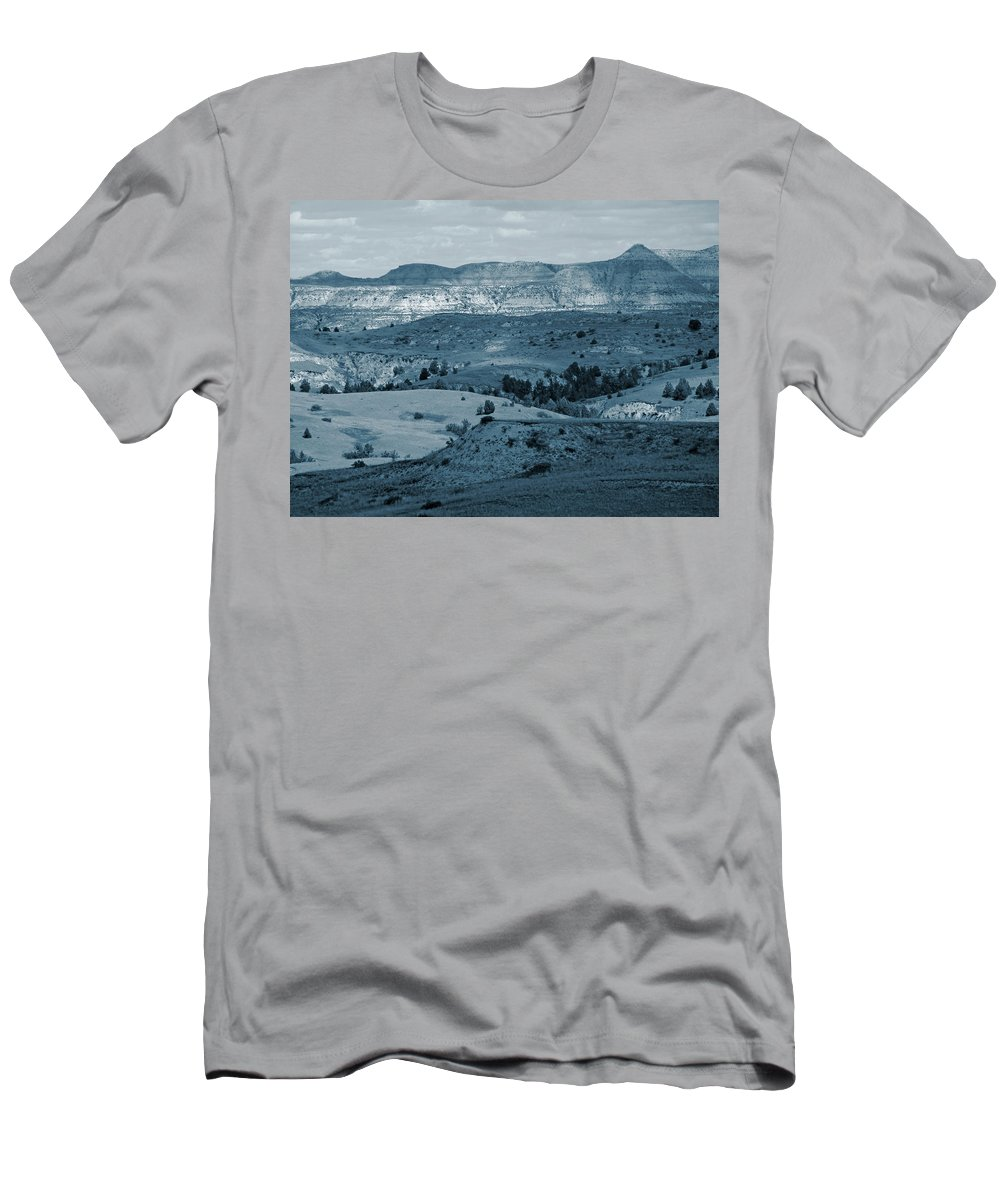 North Dakota Men's T-Shirt (Athletic Fit) featuring the photograph Light And Shadow In West Dakota by Cris Fulton