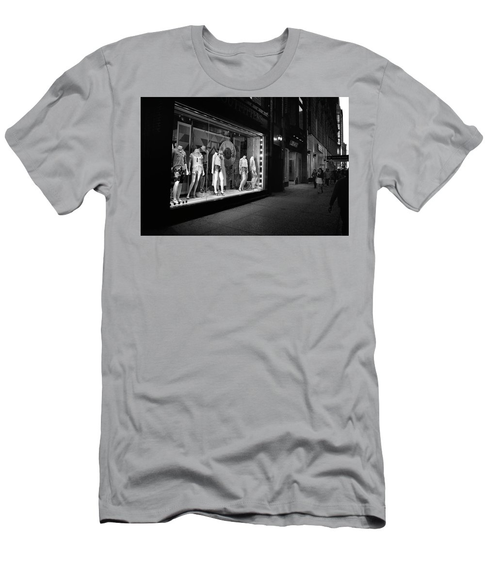 Photograph Men's T-Shirt (Athletic Fit) featuring the photograph New York, New York 12 by Ron Cline