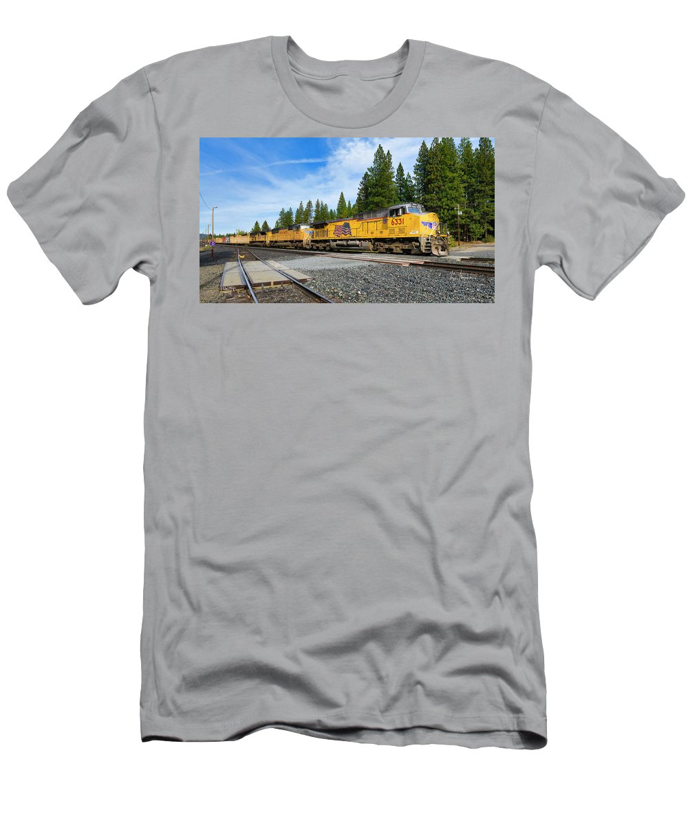 Freight Trains T-Shirt featuring the photograph Up6331 by Jim Thompson