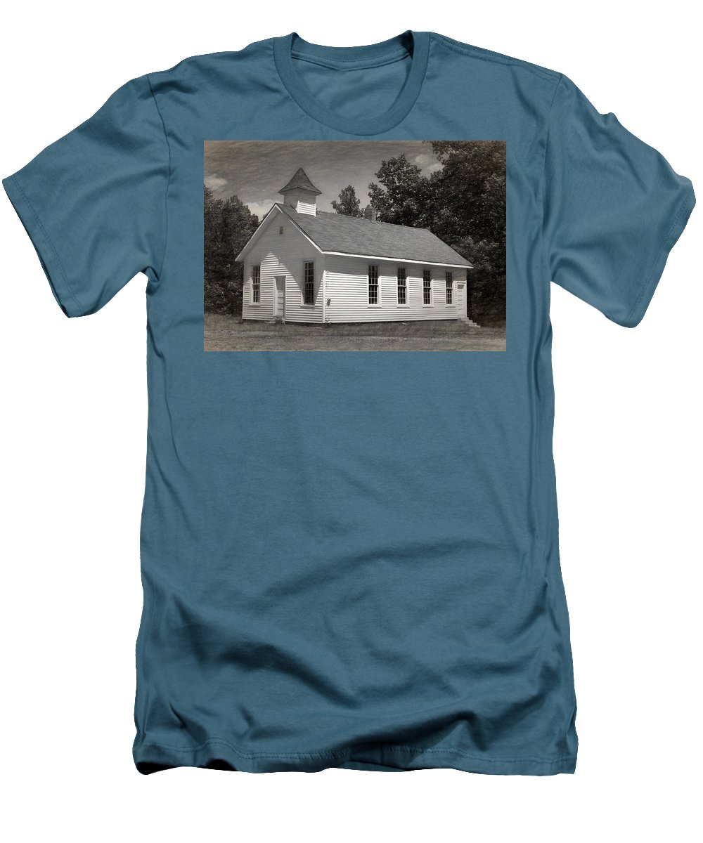 Abandoned Men's T-Shirt (Athletic Fit) featuring the photograph Meeting House by Richard Rizzo