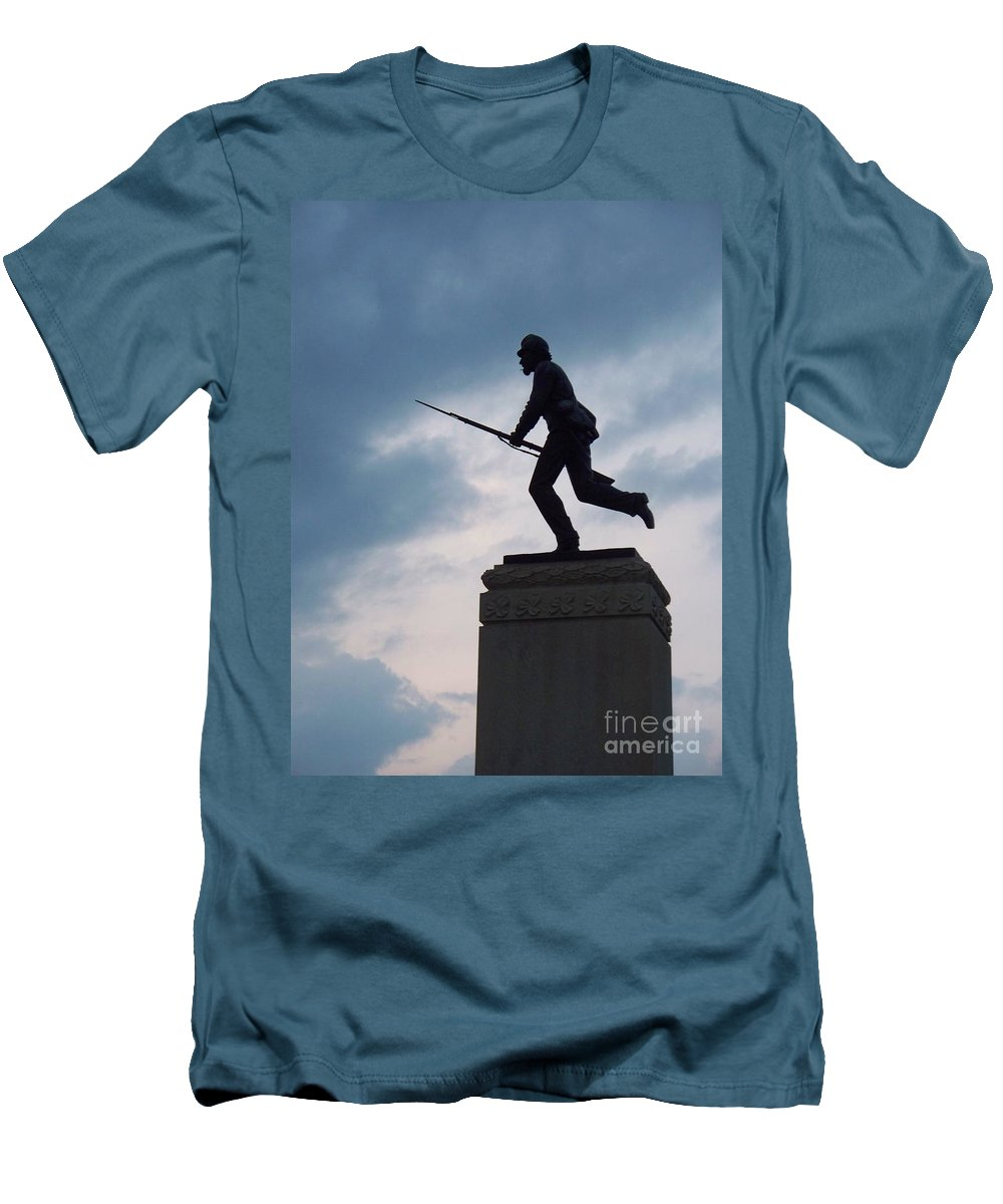 Minnesota Men's T-Shirt (Athletic Fit) featuring the photograph Gettysburg Statue by Eric Schiabor