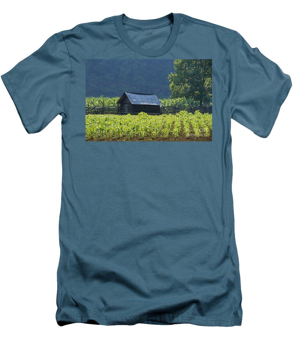Farm Men's T-Shirt (Athletic Fit) featuring the photograph Blue Mountain Farm by David Lee Thompson