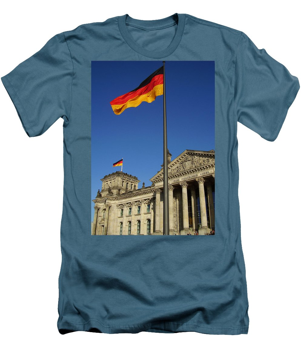 Deutscher Bundestag Men's T-Shirt (Athletic Fit) featuring the photograph Deutscher Bundestag by Flavia Westerwelle