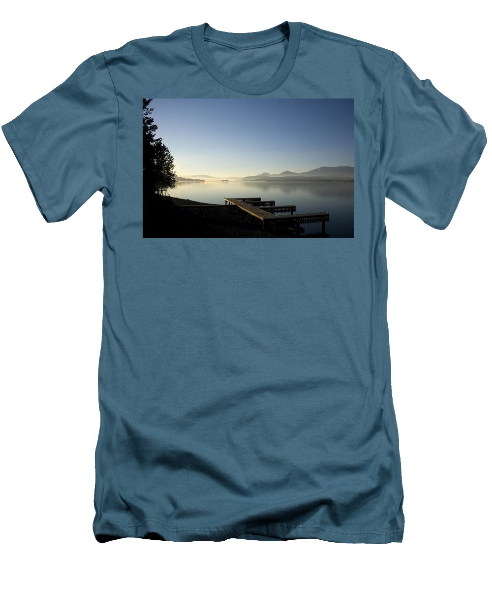 Landscape Men's T-Shirt (Athletic Fit) featuring the photograph Fall Evening by Lee Santa