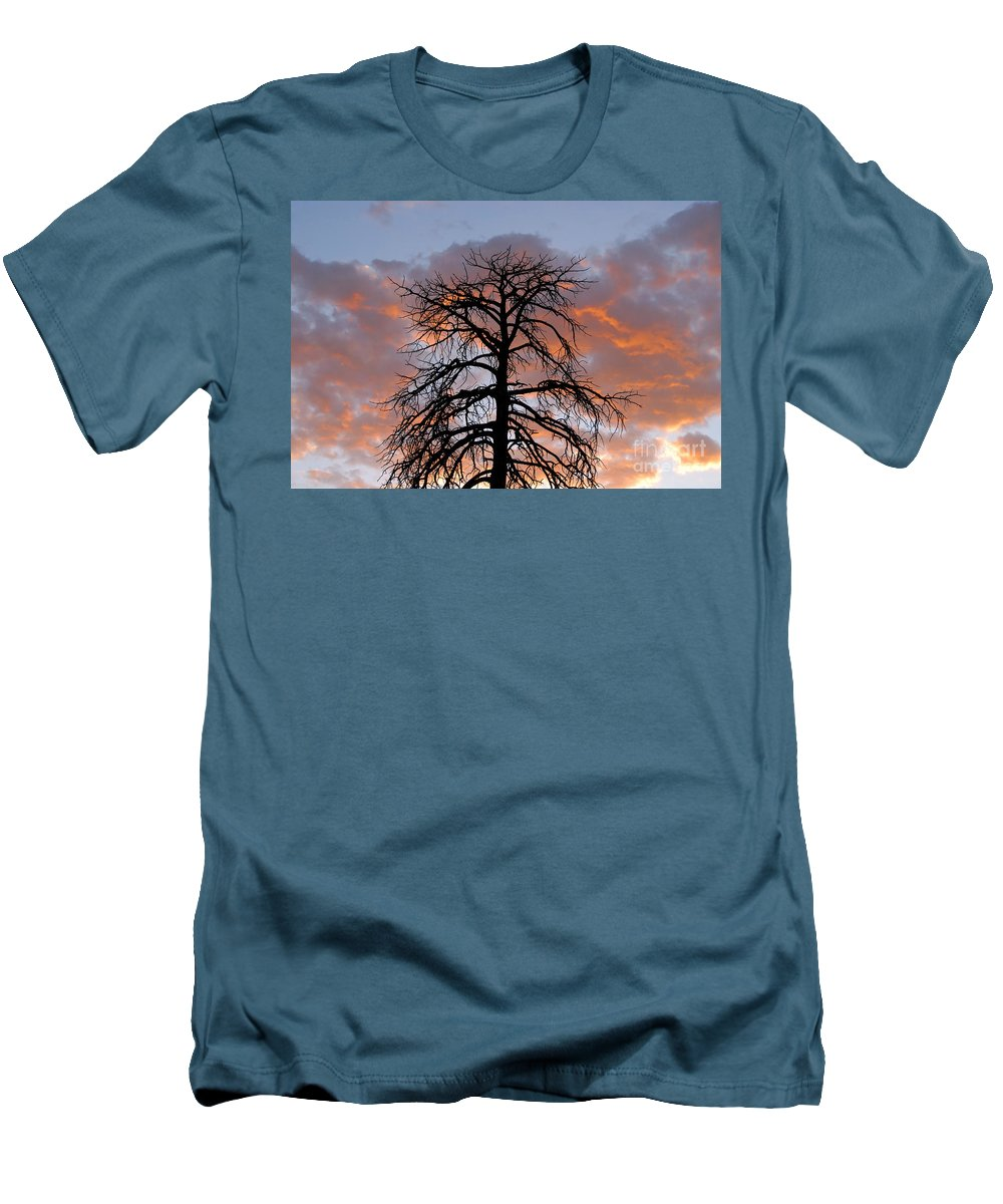 Fire Men's T-Shirt (Athletic Fit) featuring the photograph Fire In The Sky by David Lee Thompson
