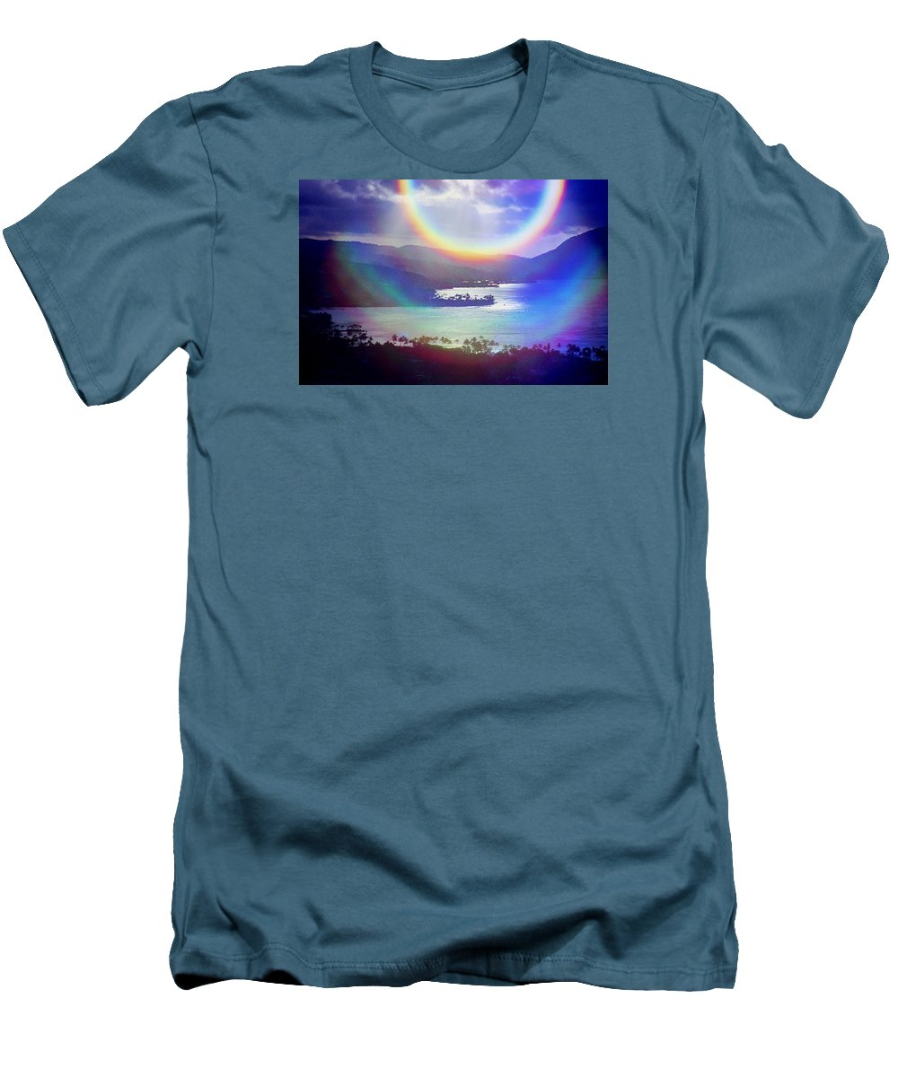 Maunalua Bay Men's T-Shirt (Athletic Fit) featuring the photograph Gods Eye by Kevin Smith