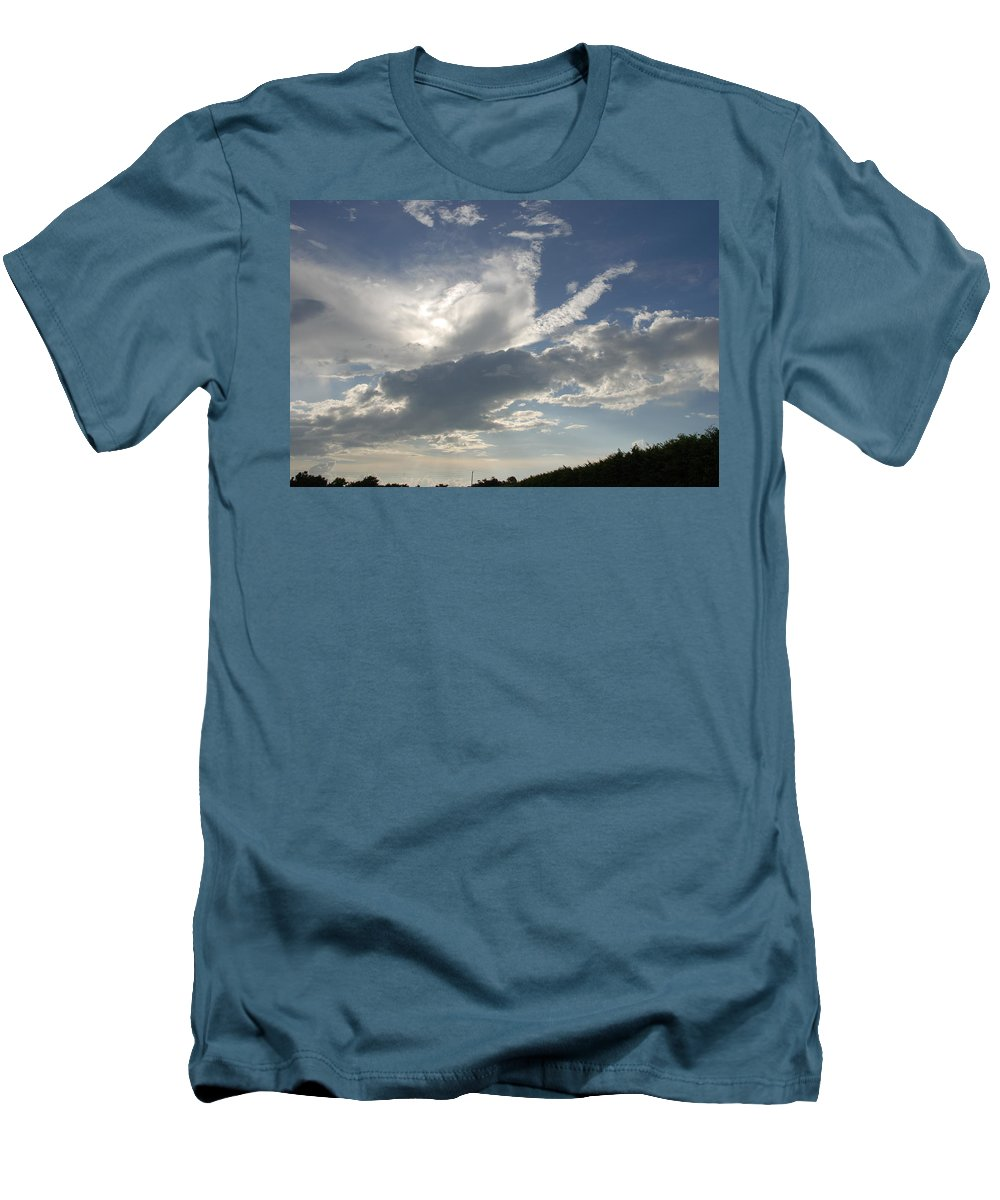 Sky Men's T-Shirt (Athletic Fit) featuring the photograph Homestead Sky by Rob Hans