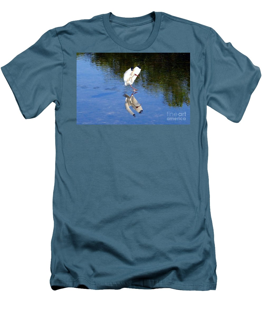 Landing Men's T-Shirt (Athletic Fit) featuring the photograph Landing by David Lee Thompson