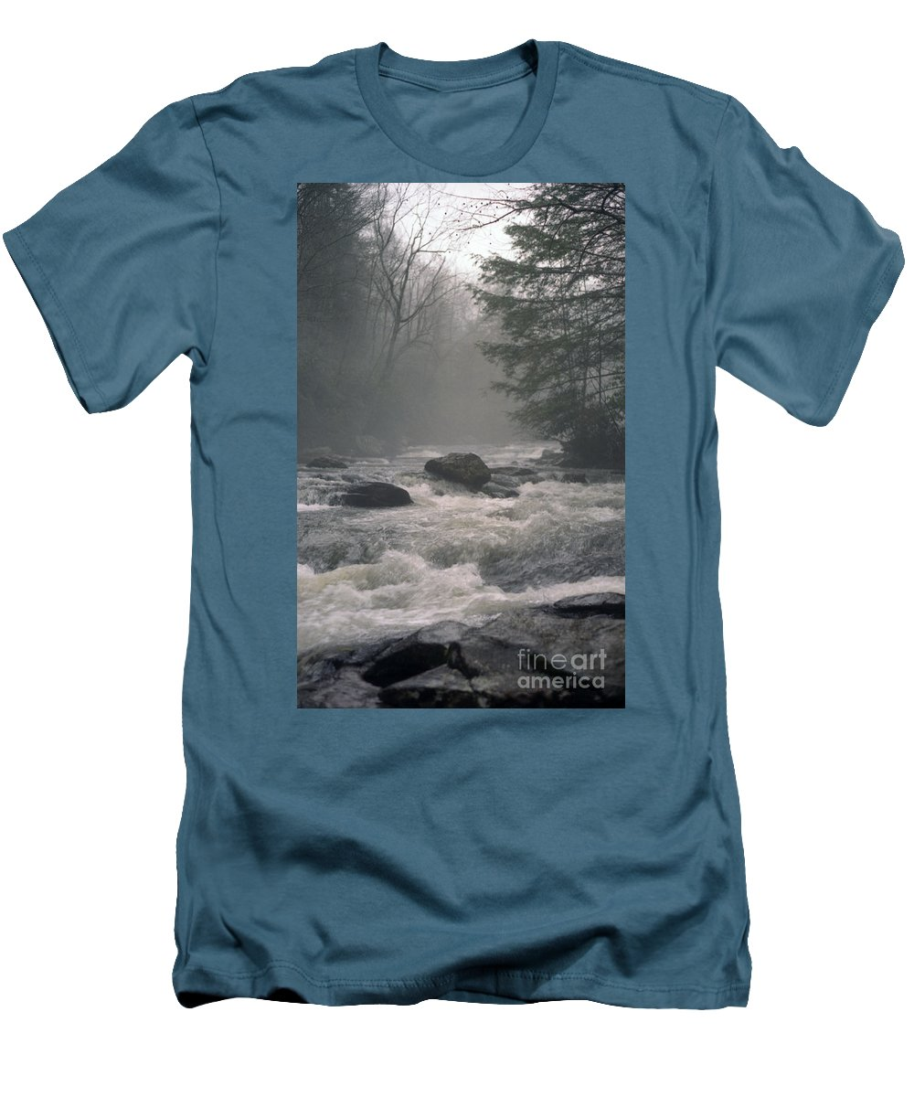 Rivers Men's T-Shirt (Athletic Fit) featuring the photograph Morning At The River by Richard Rizzo