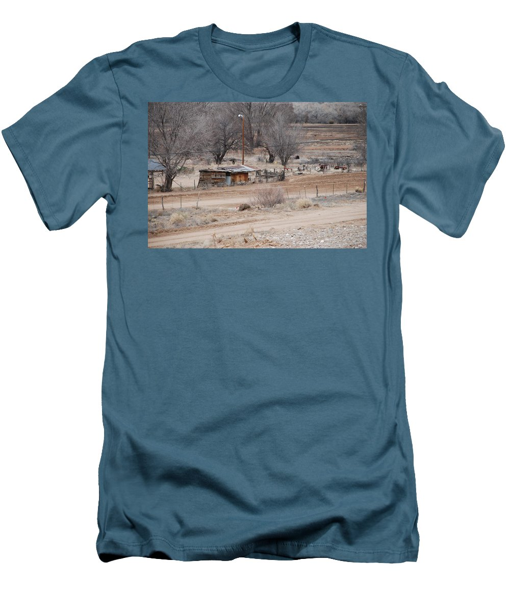 House Men's T-Shirt (Athletic Fit) featuring the photograph Old Ranch House by Rob Hans