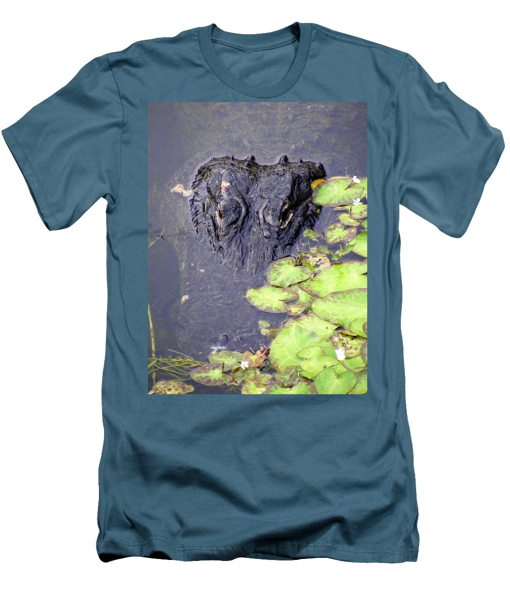 Swamp Men's T-Shirt (Athletic Fit) featuring the photograph Too Close For Comfort by Ed Smith