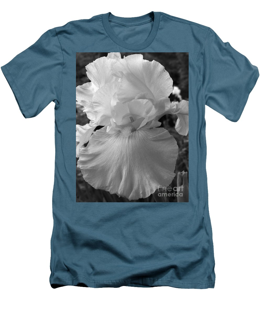 Iris Men's T-Shirt (Athletic Fit) featuring the photograph Yellow And White Iris In Bw by Kathy McClure