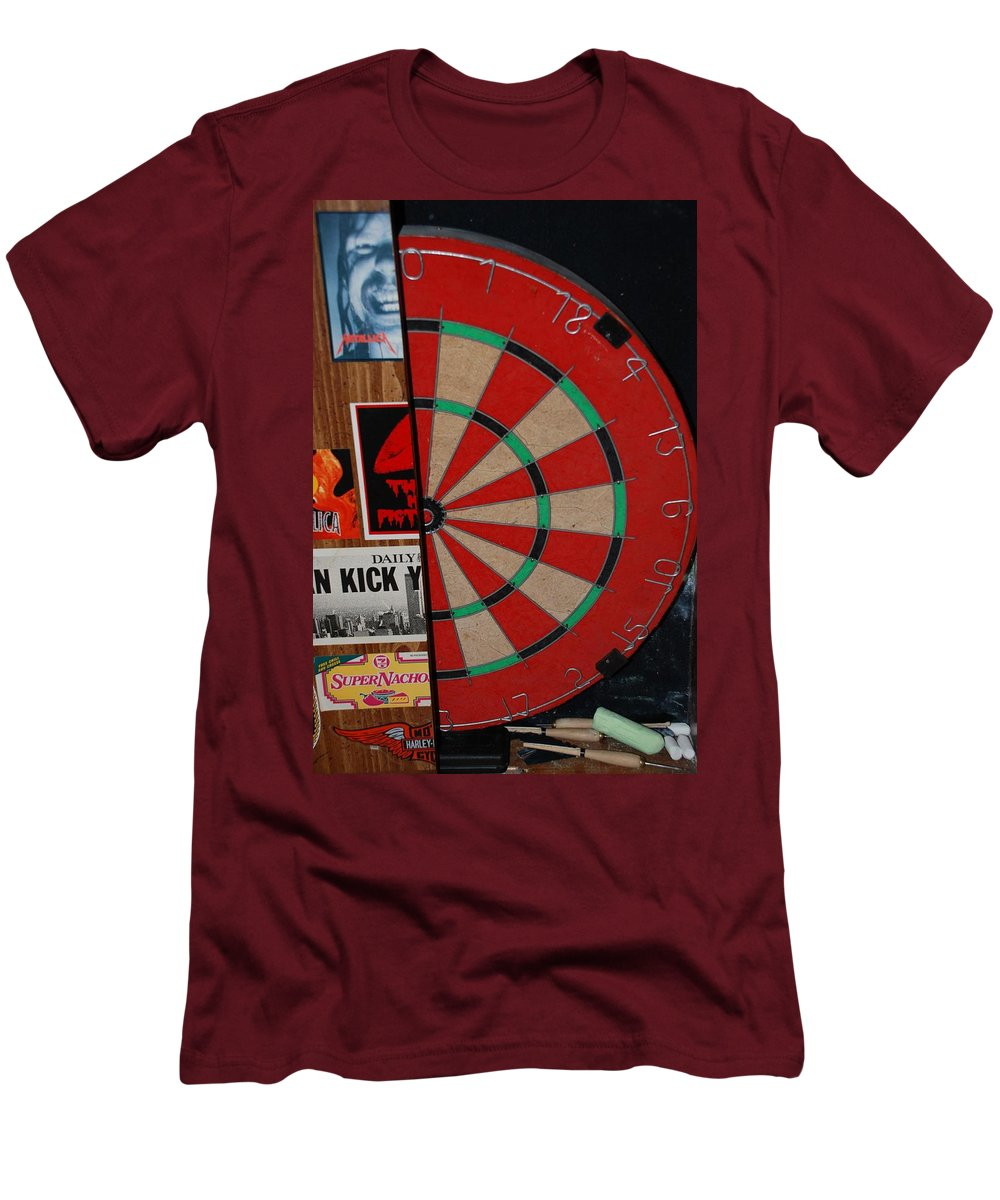 Macro Men's T-Shirt (Athletic Fit) featuring the photograph The Dart Board by Rob Hans
