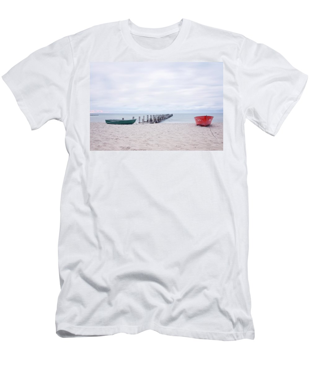 Ostsee Men's T-Shirt (Athletic Fit) featuring the pyrography Zingst by Steffen Gierok