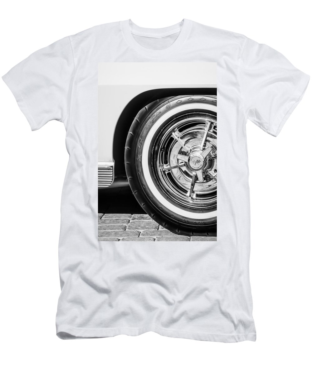 1963 Chevrolet Corvette Split Window Wheel Men's T-Shirt (Athletic Fit) featuring the photograph 1963 Chevrolet Corvette Split Window Wheel -090bw by Jill Reger