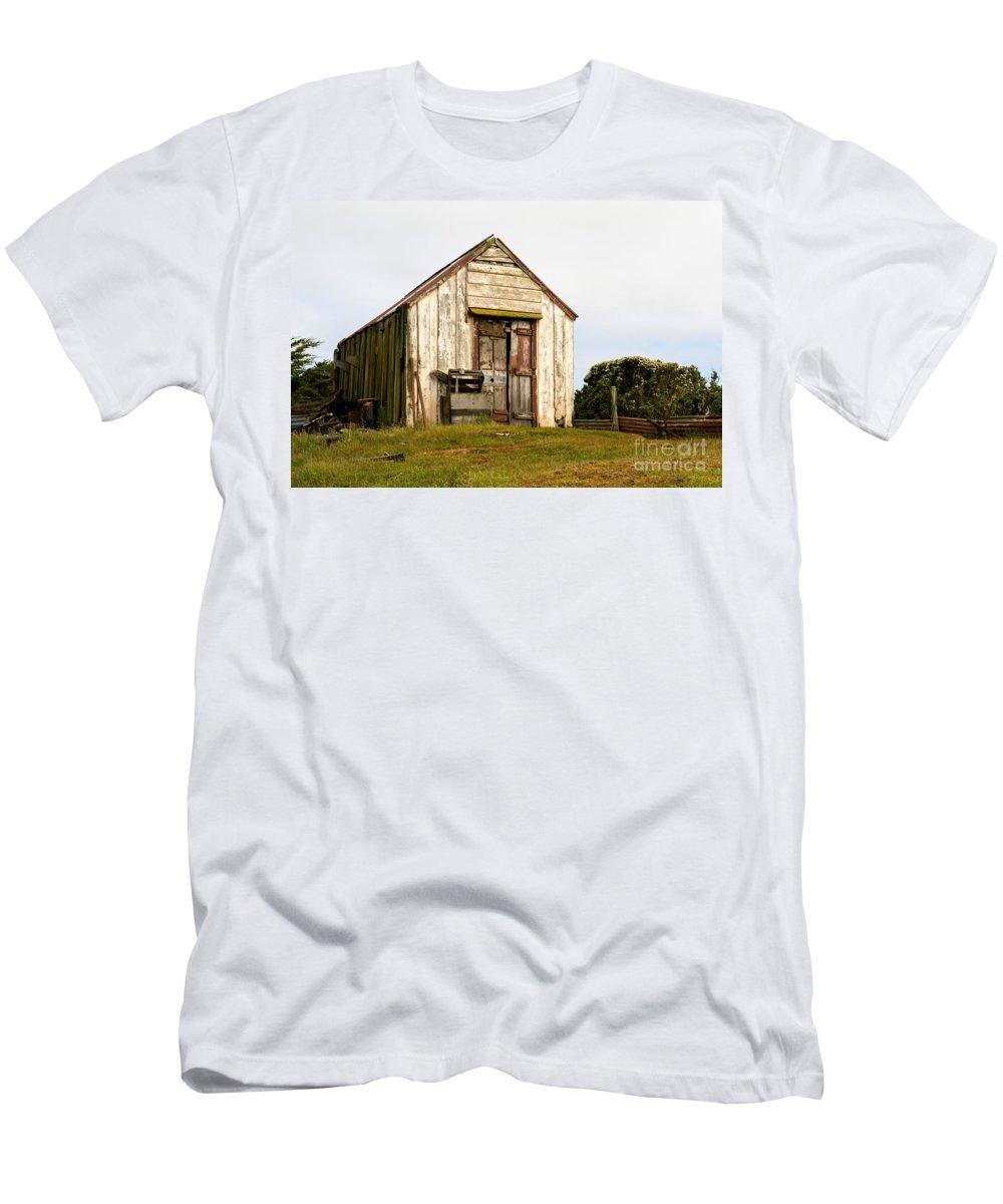 Falkland Islands Men's T-Shirt (Athletic Fit) featuring the photograph Falkland Island Farm by John Shaw