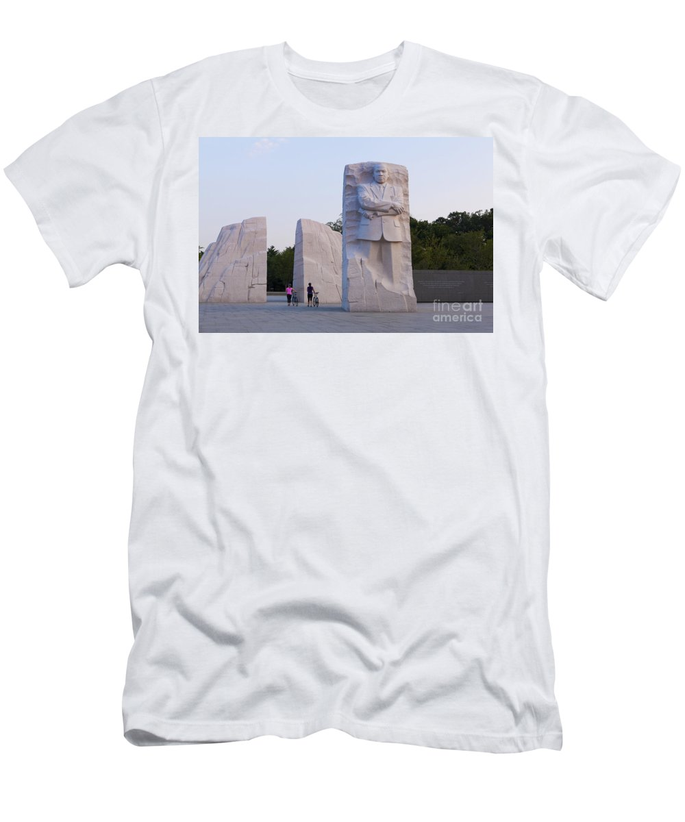 Martin Men's T-Shirt (Athletic Fit) featuring the photograph Martin Luther King Jr Memorial by B Christopher