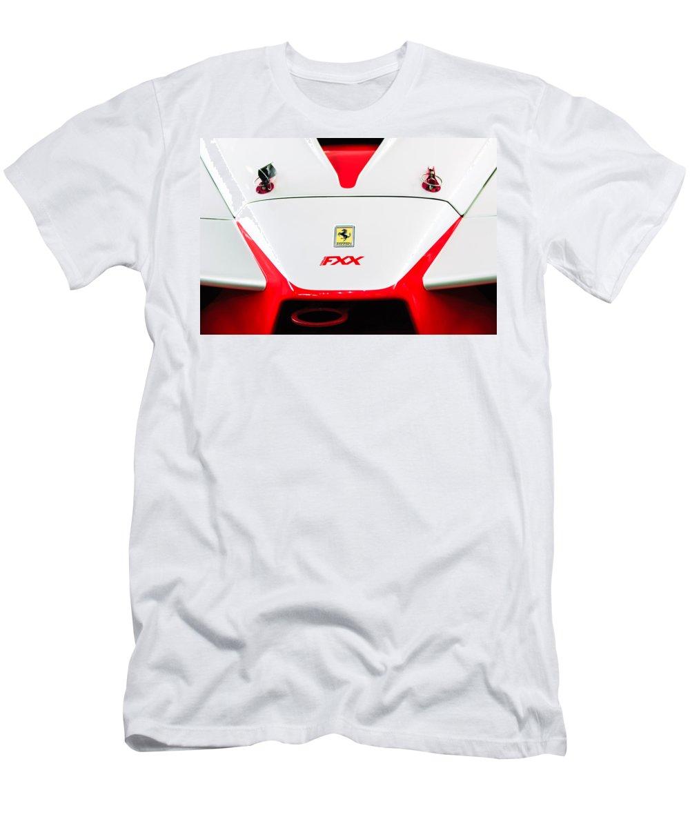 2005 Ferrari Fxx Evoluzione Hood Emblem Men's T-Shirt (Athletic Fit) featuring the photograph 2005 Ferrari Fxx Evoluzione Hood Emblem by Jill Reger
