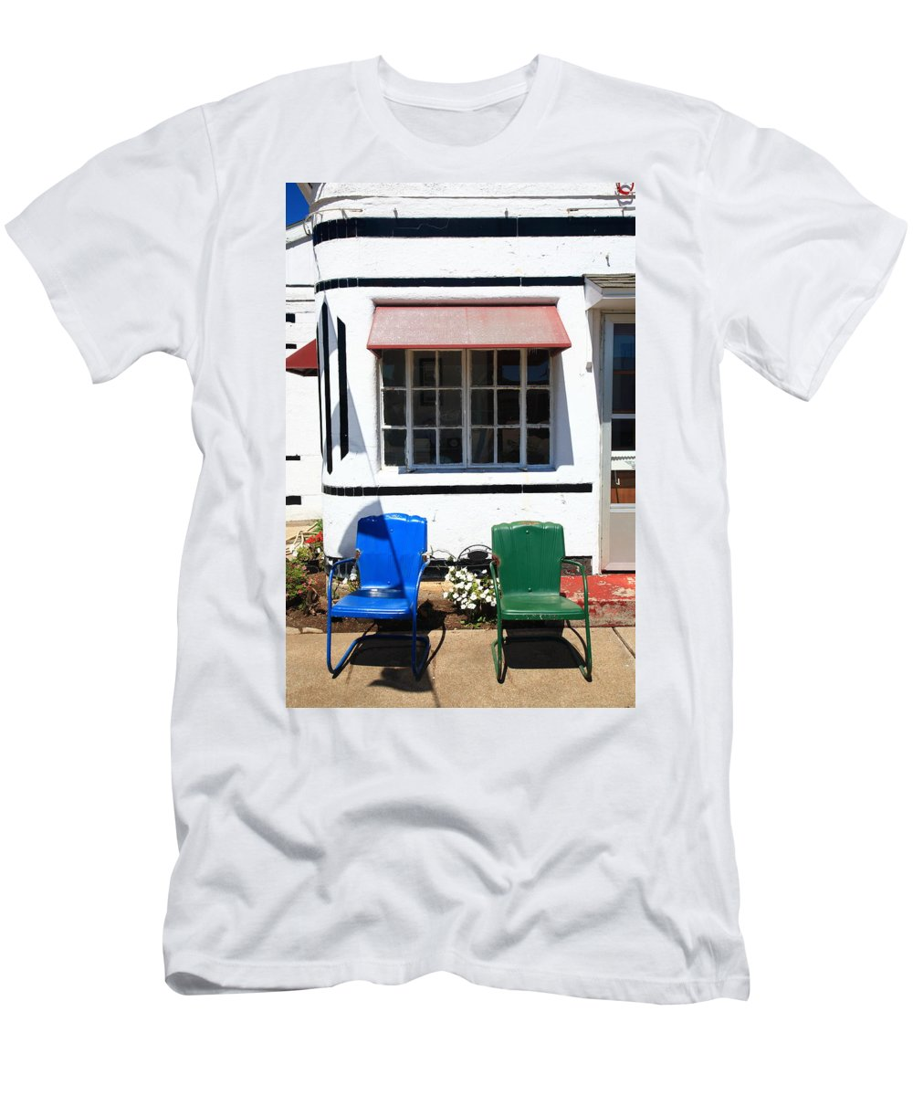 66 Men's T-Shirt (Athletic Fit) featuring the photograph Route 66 - Boots Motel by Frank Romeo