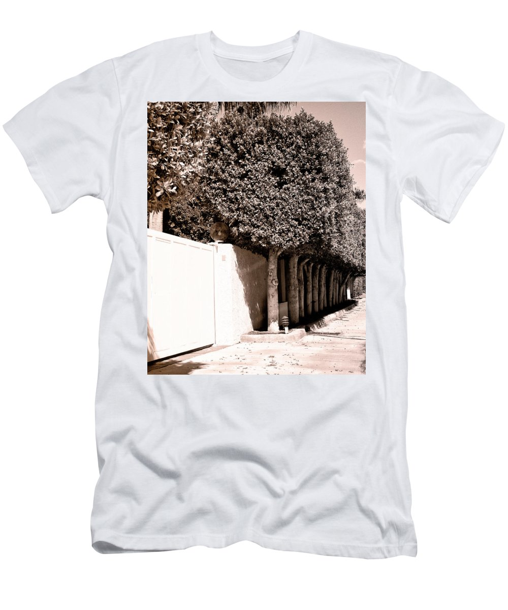Movie Colony Homes Men's T-Shirt (Athletic Fit) featuring the photograph Afternoon Sun Bw Palm Springs by William Dey