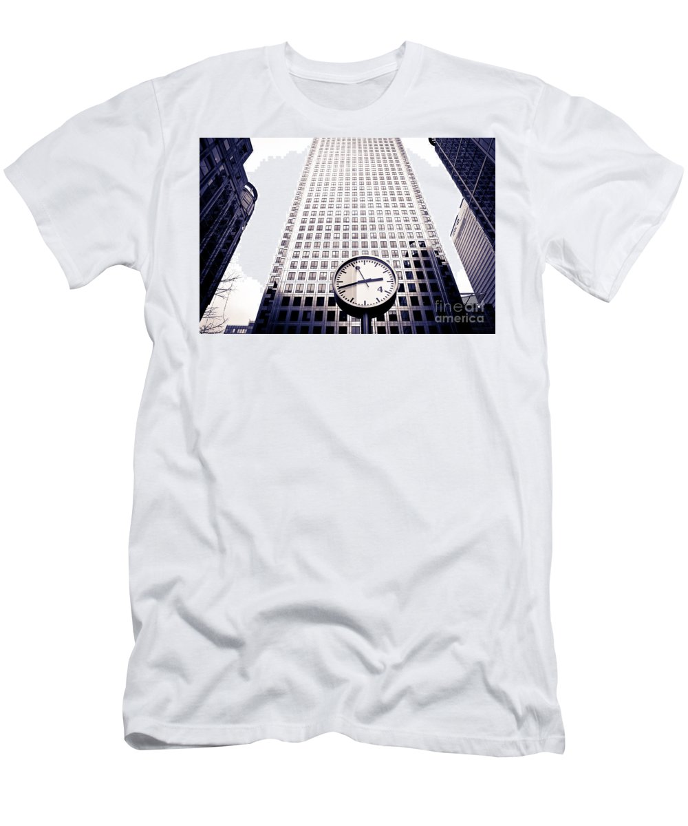 Buildings Men's T-Shirt (Athletic Fit) featuring the photograph Canary Wharf Clock by Lana Enderle