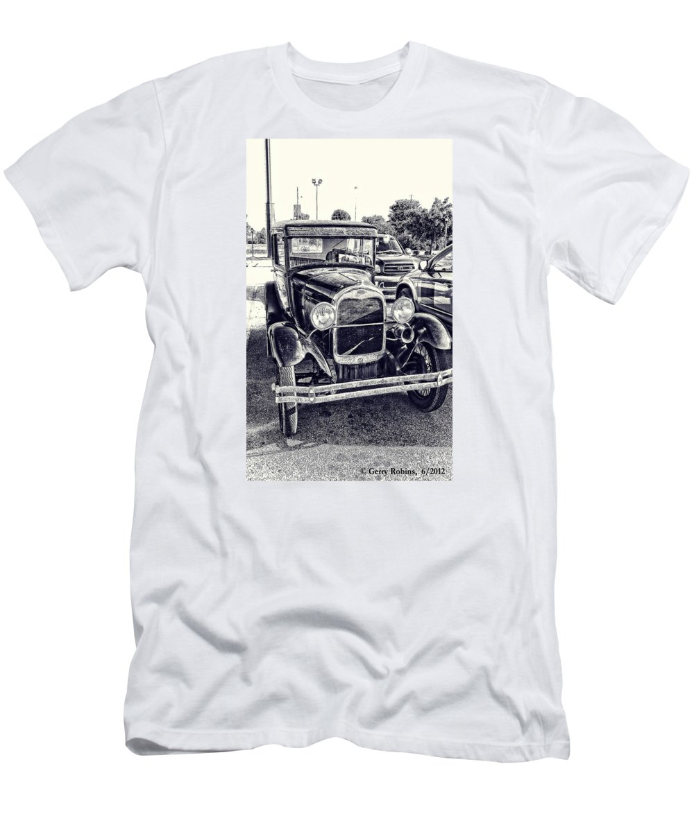 Car Men's T-Shirt (Athletic Fit) featuring the photograph Classic Car by Gerry Robins