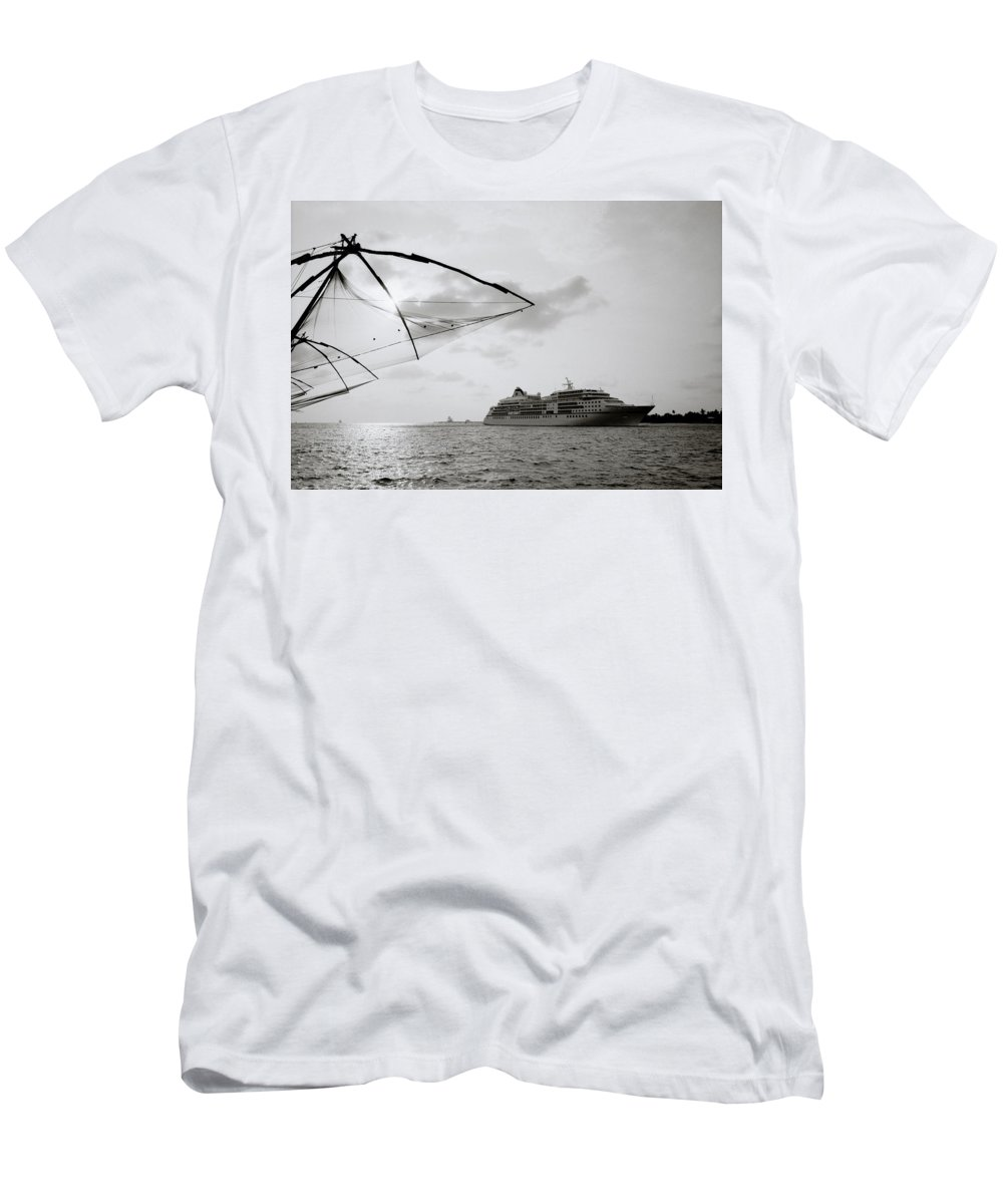 Chinese Men's T-Shirt (Athletic Fit) featuring the photograph Cruising Into Cochin by Shaun Higson
