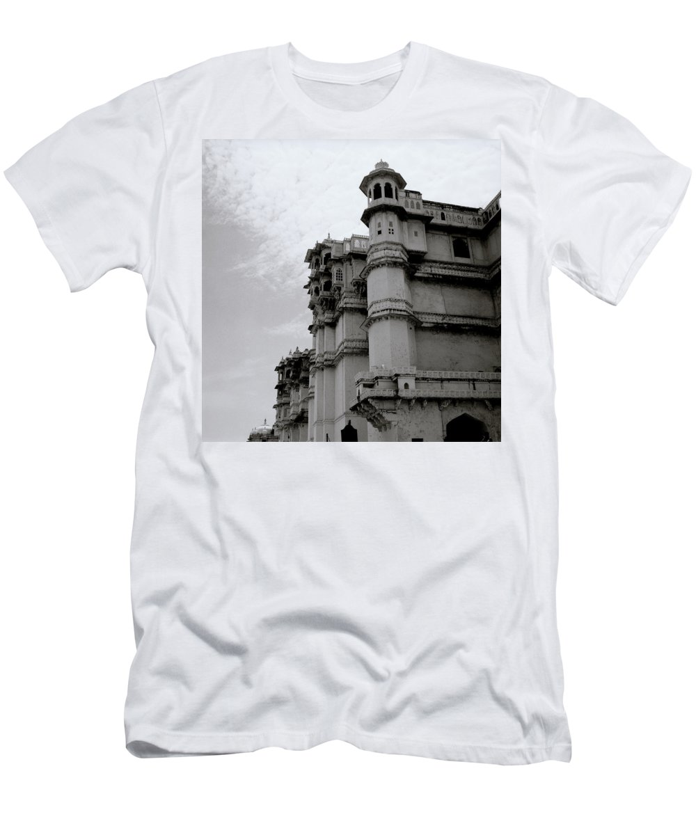 City Palace Men's T-Shirt (Athletic Fit) featuring the photograph Exotic Udaipur by Shaun Higson