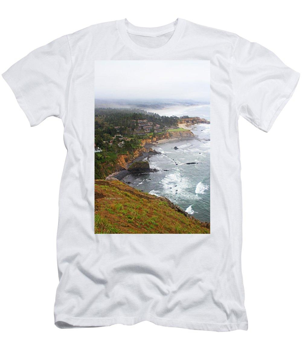 Exploring The Oregon Coast Men's T-Shirt (Athletic Fit) featuring the photograph Exploring The Oregon Coast by Tom Janca