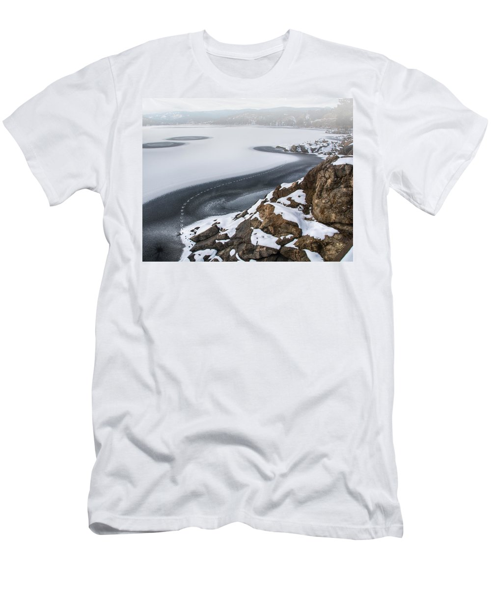 Nederland Men's T-Shirt (Athletic Fit) featuring the photograph Foggy Ice Tracks by Bob Keller