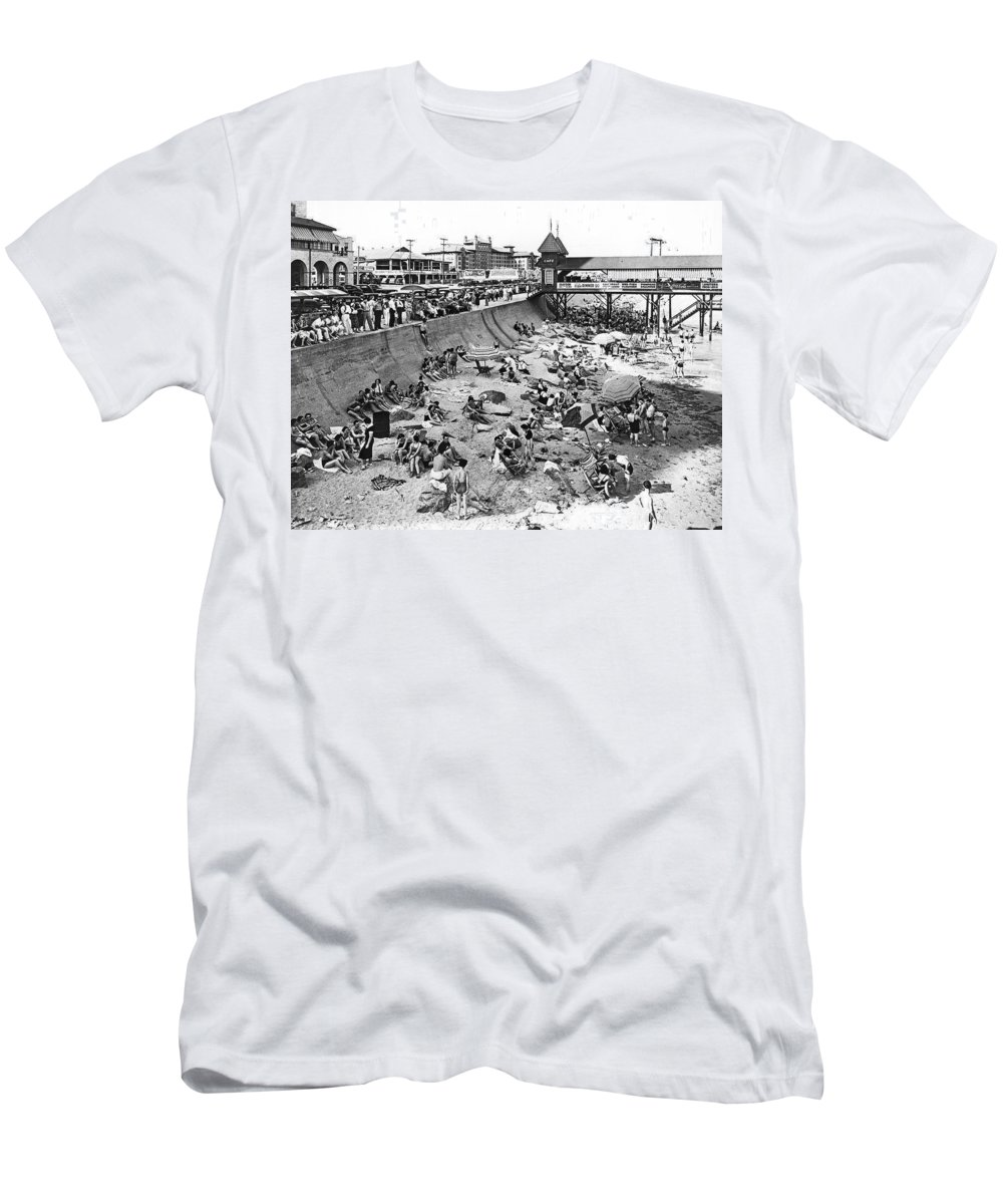 1930s Men's T-Shirt (Athletic Fit) featuring the photograph Galveston Beach Scene by Underwood Archives