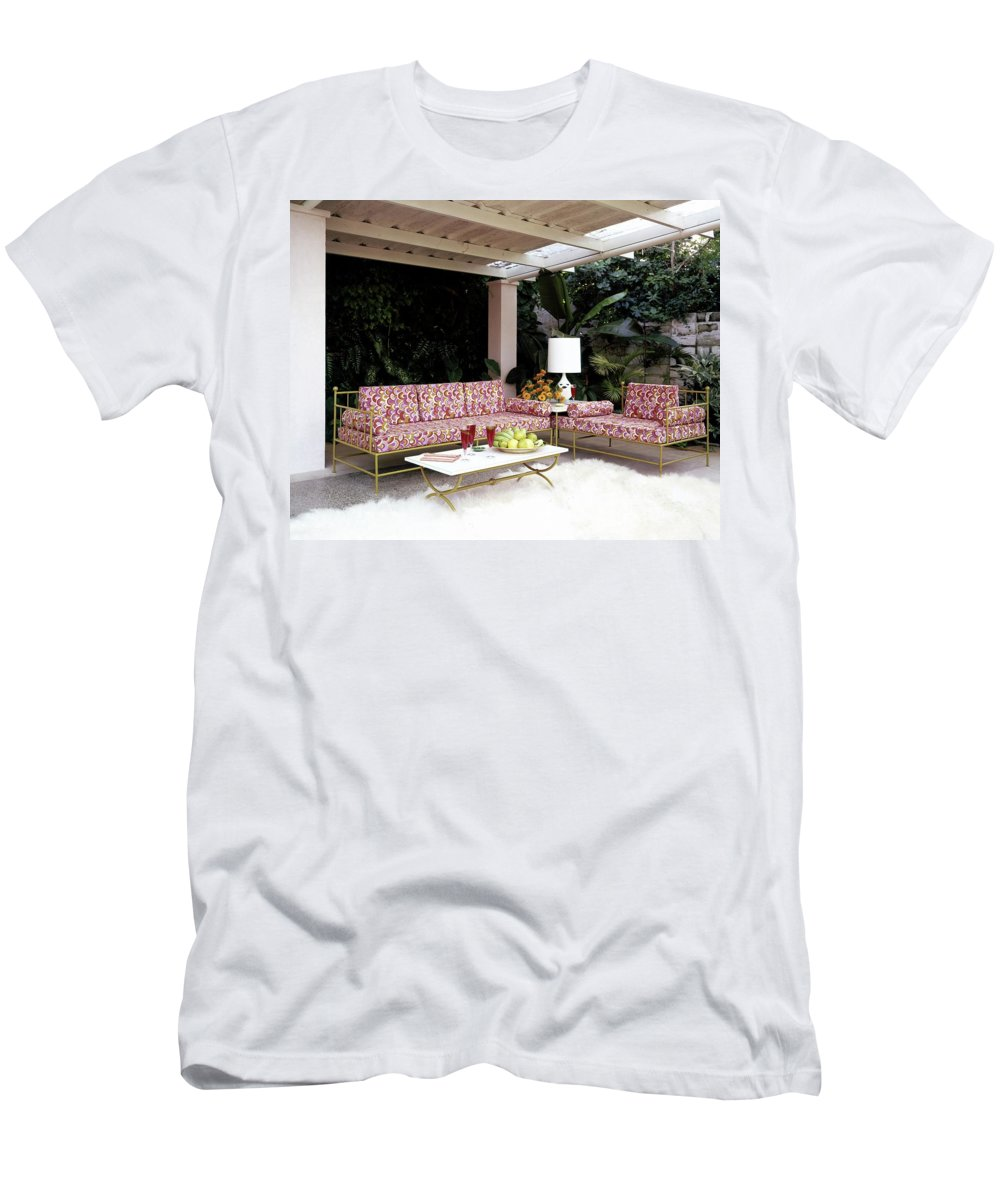 Garden Men's T-Shirt (Athletic Fit) featuring the photograph Garden-guest Room At The Chimneys by Tom Leonard