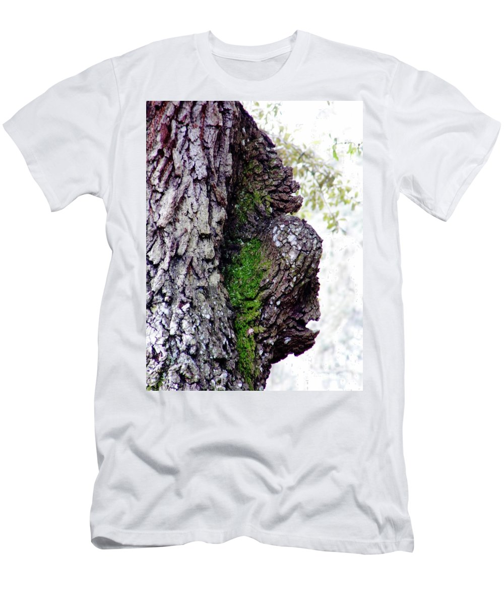 Oak Men's T-Shirt (Athletic Fit) featuring the photograph Gorilla Face In The Tree by D Hackett