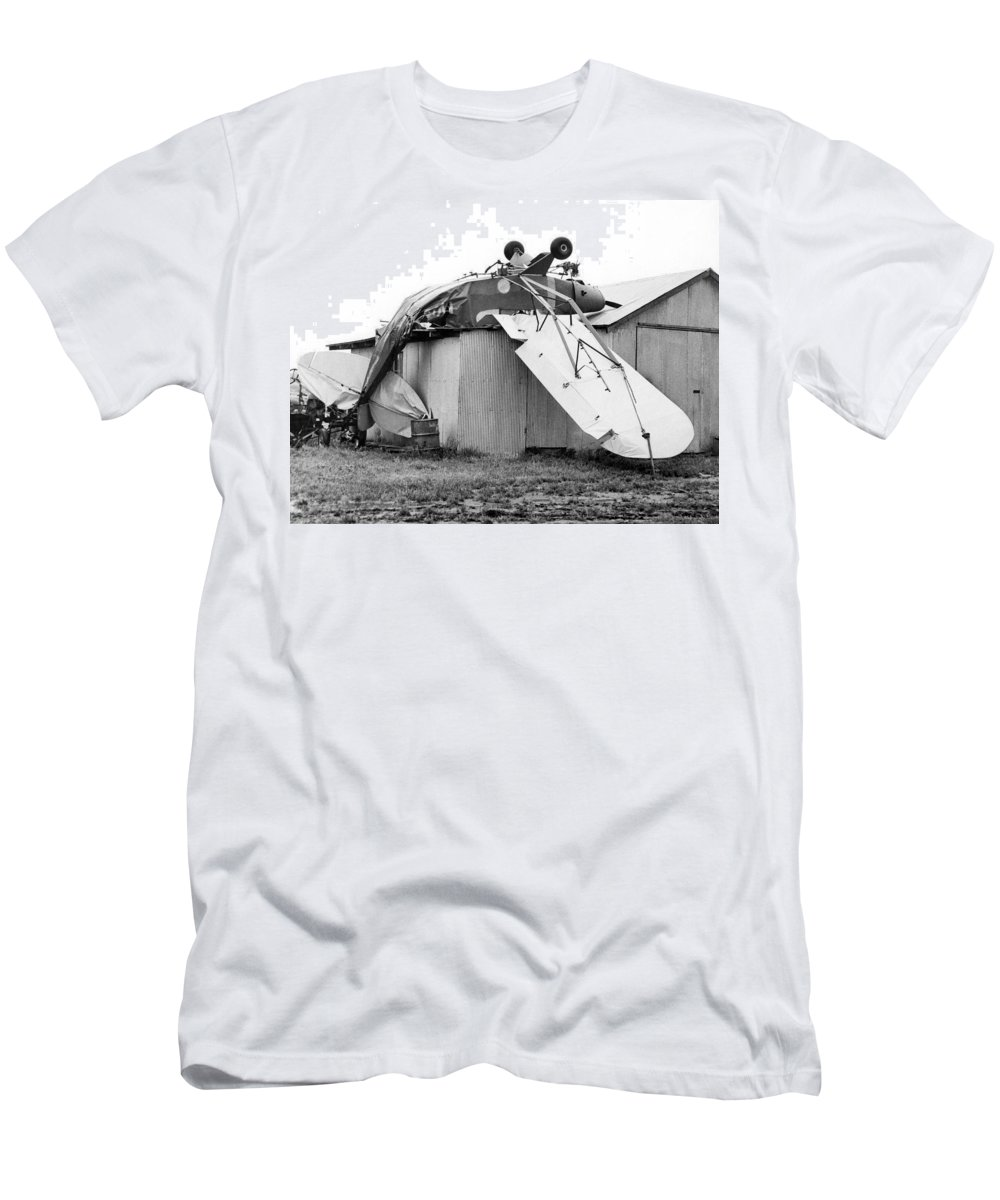 1960s Men's T-Shirt (Athletic Fit) featuring the photograph Just Plane Exhausted by Underwood Archives