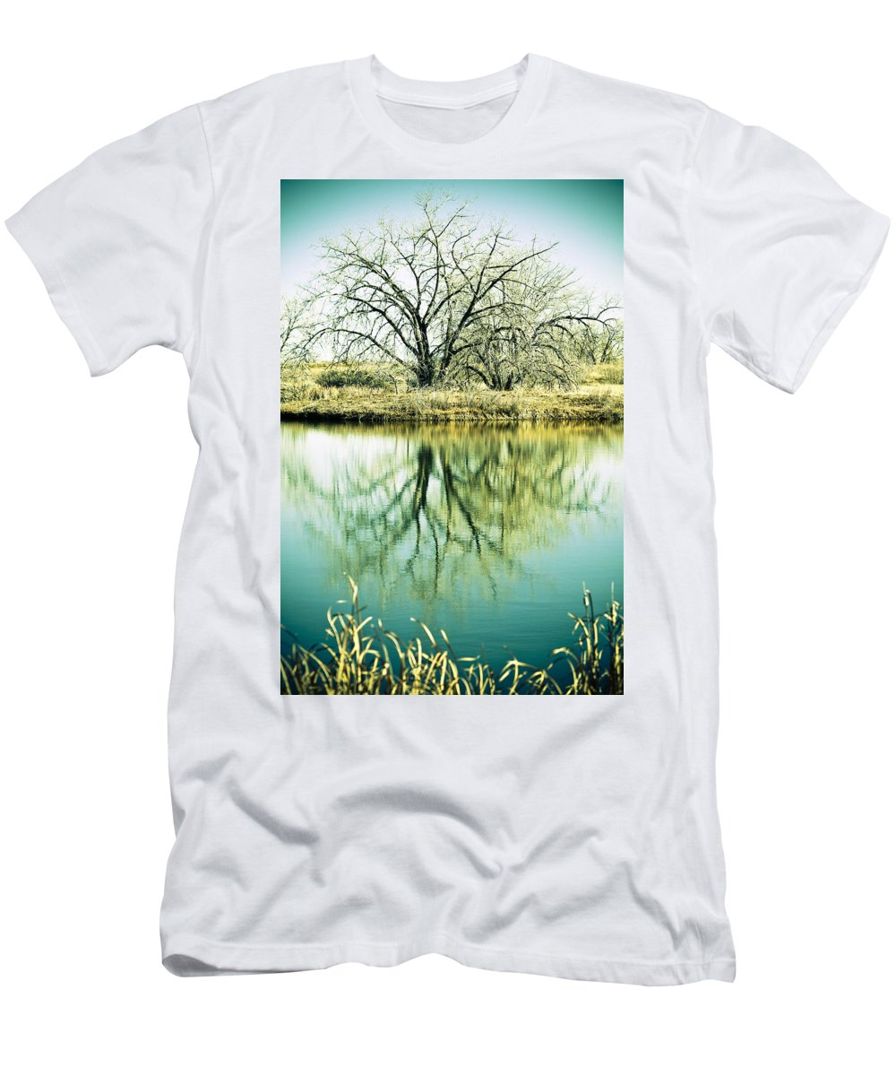 Lone Men's T-Shirt (Athletic Fit) featuring the photograph Lone Tree 2 by Marilyn Hunt