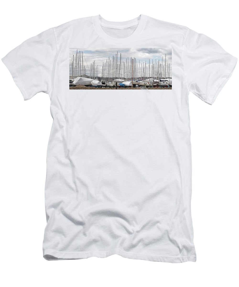Sailboat Men's T-Shirt (Athletic Fit) featuring the photograph Glen Cove Mast Appeal by Bob Slitzan