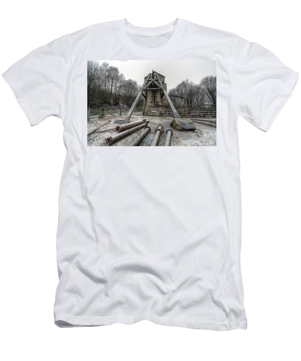 1296 Men's T-Shirt (Athletic Fit) featuring the photograph Minera Lead Mines by Adrian Evans