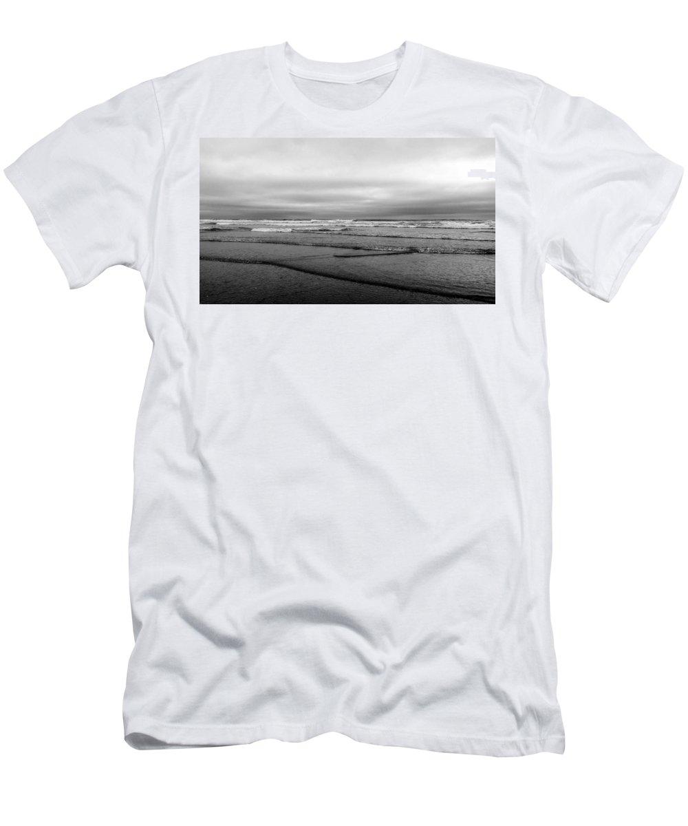 Washington Men's T-Shirt (Athletic Fit) featuring the photograph Misty Tide by Anna Burdette