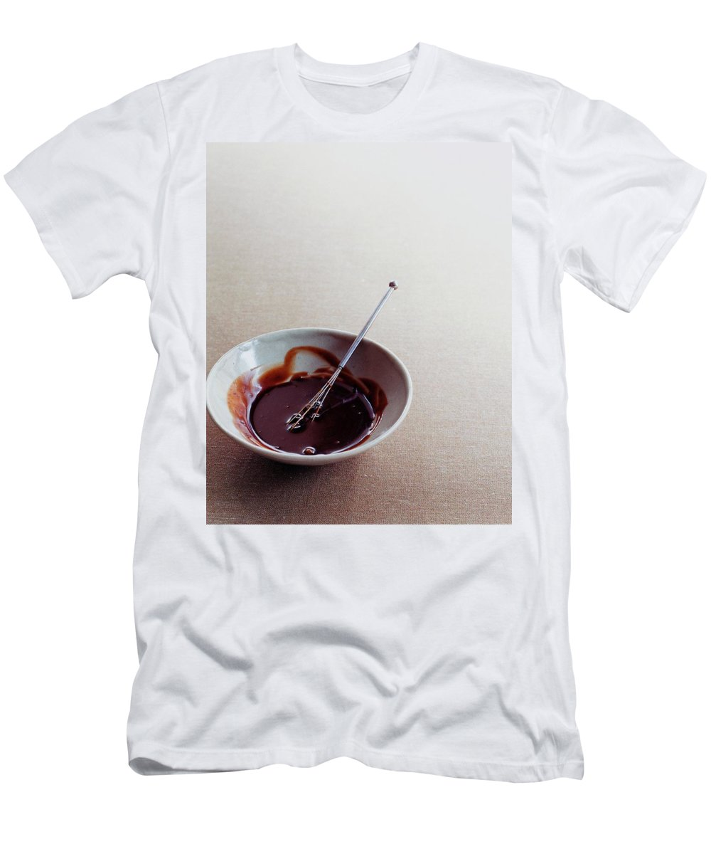 Sauce Men's T-Shirt (Athletic Fit) featuring the photograph Mocha Caramel Sauce by Romulo Yanes