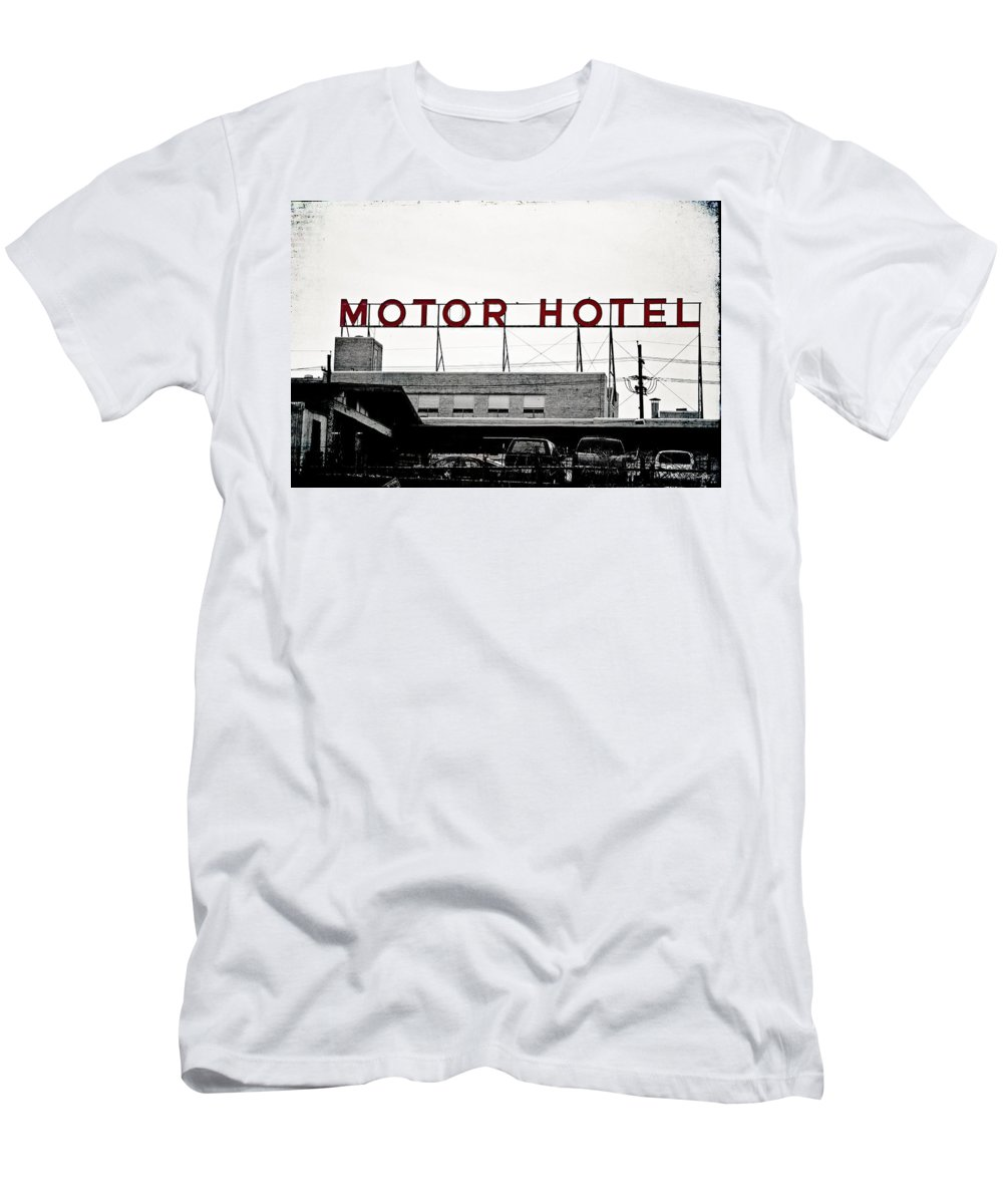 Hotel Men's T-Shirt (Athletic Fit) featuring the photograph Motor Hotel by Scott Pellegrin