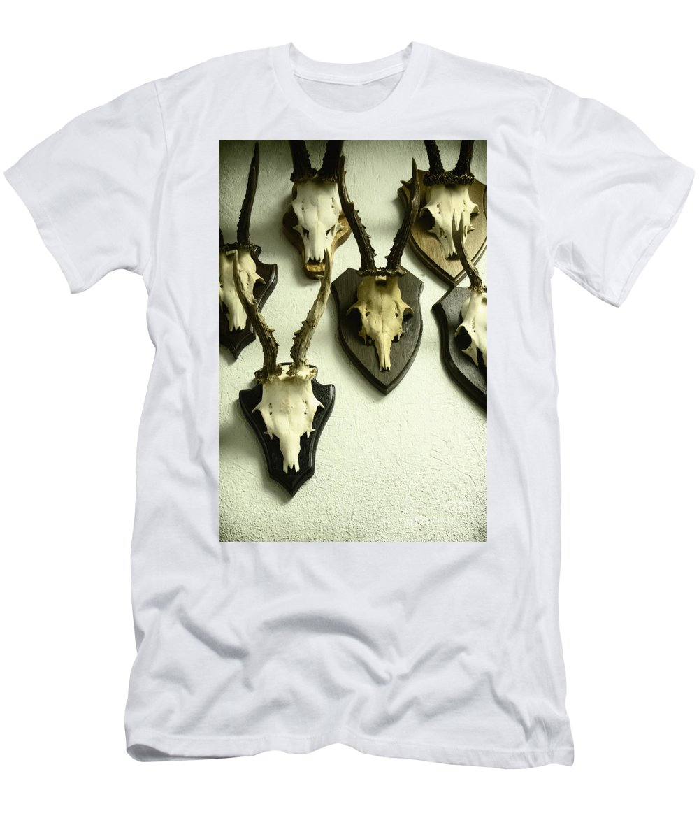 Skulls Men's T-Shirt (Athletic Fit) featuring the photograph Mounted by Margie Hurwich