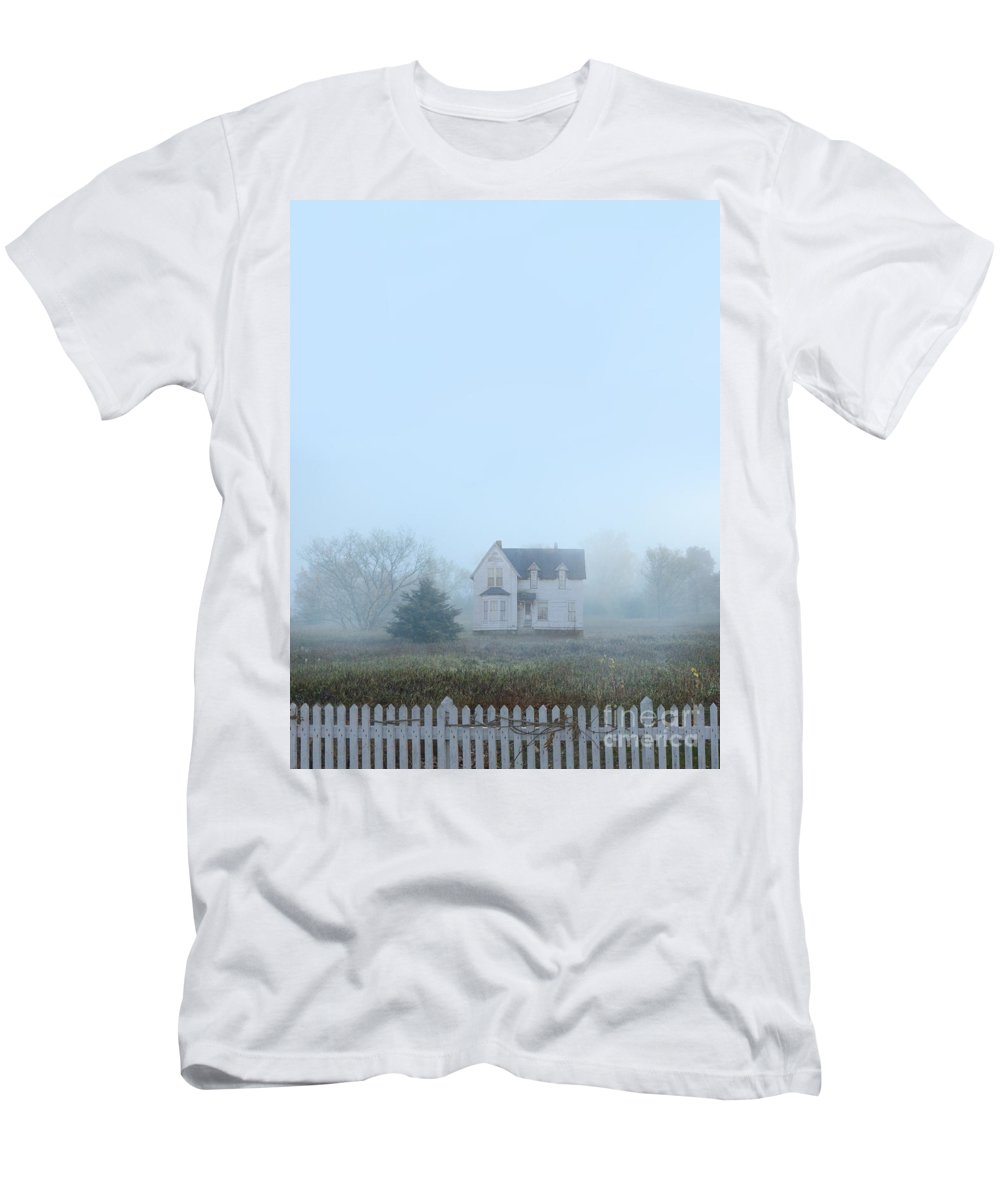 House Men's T-Shirt (Athletic Fit) featuring the photograph Old House In The Mist by Jill Battaglia