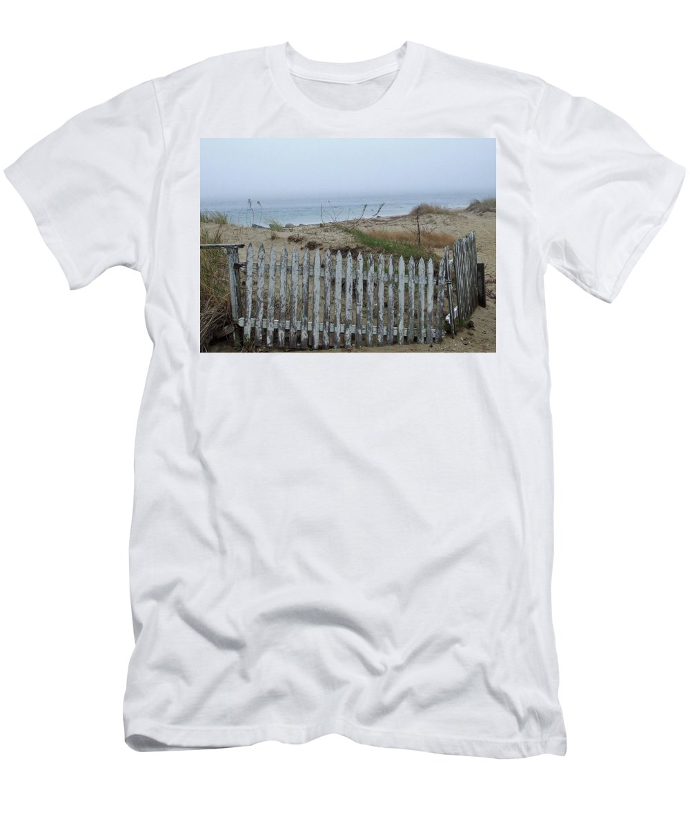 Salt Air Men's T-Shirt (Athletic Fit) featuring the photograph Old Nantucket Fence by Susan Wyman