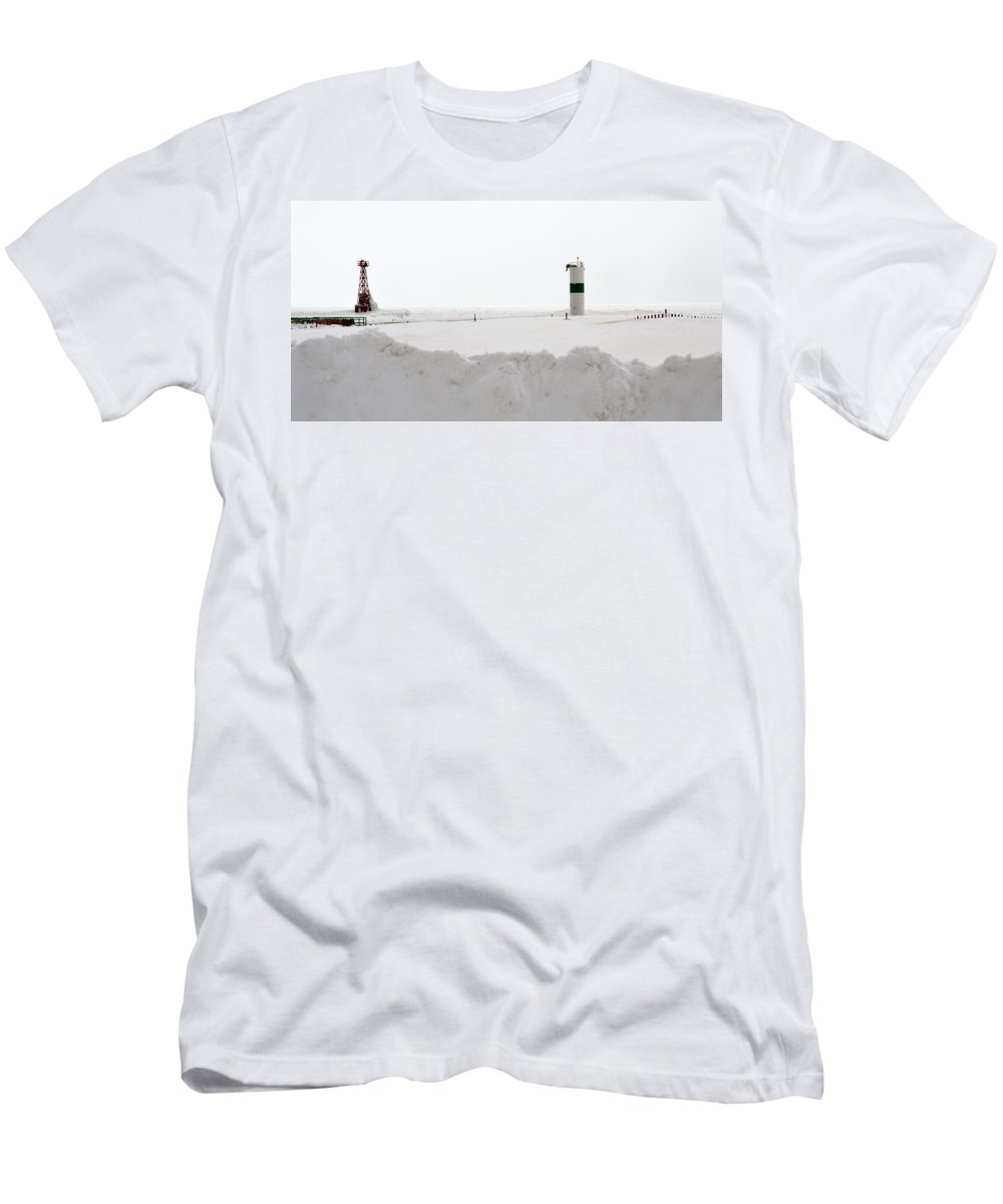 Pentwater Men's T-Shirt (Athletic Fit) featuring the photograph Pentwater Lighthouse by Linda Kerkau