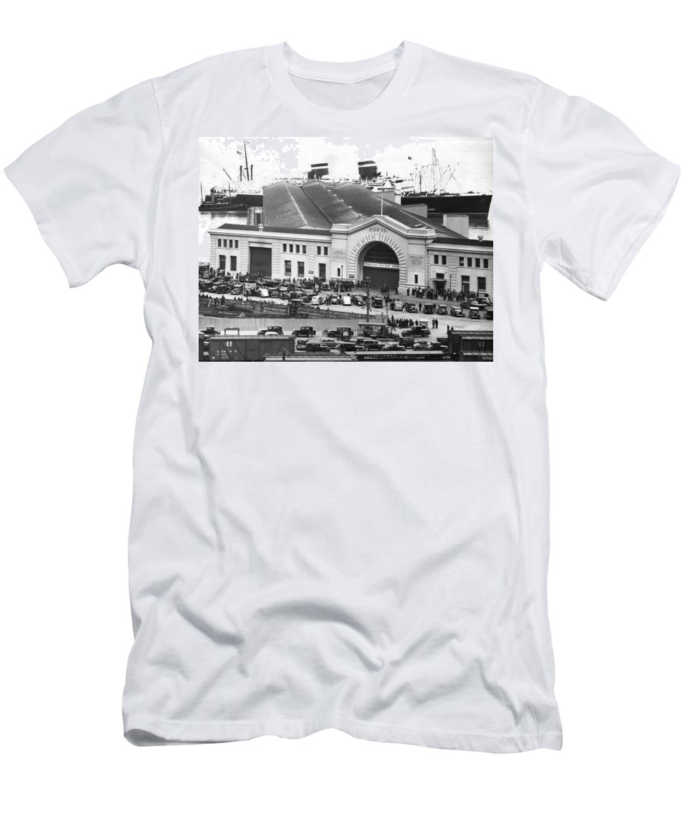 1930s Men's T-Shirt (Athletic Fit) featuring the photograph Pickets At The Sf Docks. by Underwood Archives