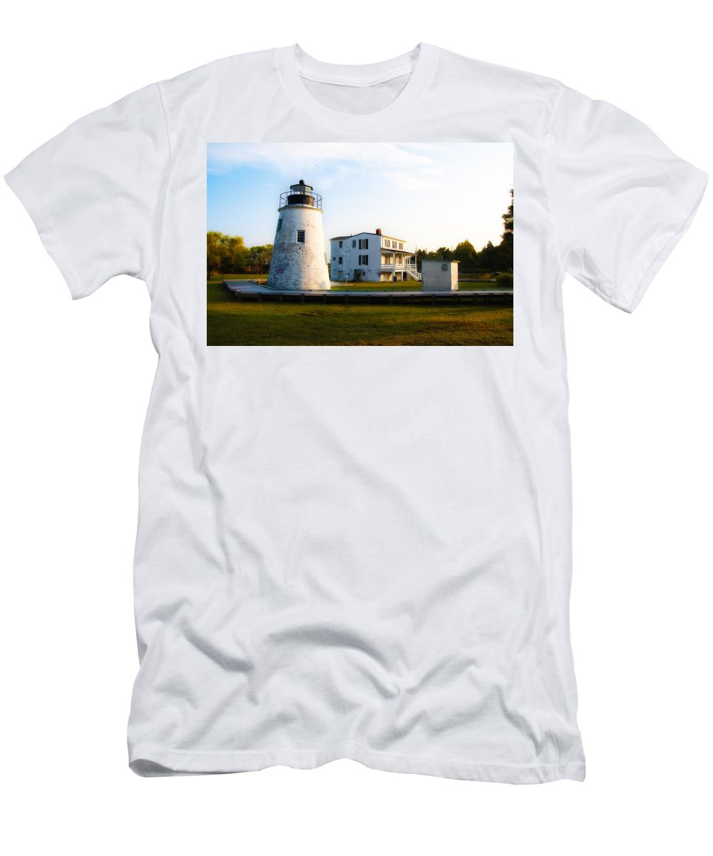 Piney Men's T-Shirt (Athletic Fit) featuring the photograph Piney Point Maryland by Bill Cannon